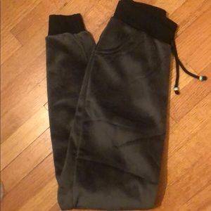 New, Hunter Green velvet pants, S/M